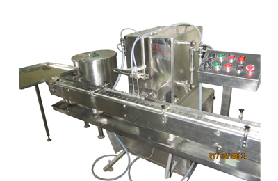 Automatic-Two-Head-Volumetric-Free-Flow-Liquid-Filling-Machines